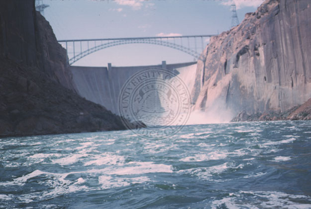 Glen_Canyon_dam_and_bridge-1
